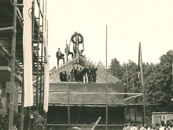 1961 - 4